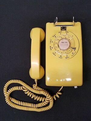 VINTAGE WESTERN ELECTRIC Wall Mount Tan Rotary Phone Model 554BMP ...