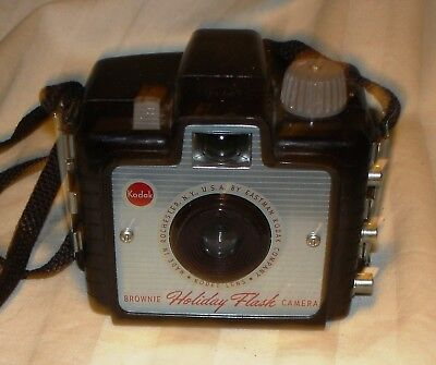 Vintage Kodak Bakelite Brownie Holiday Flash Box Camera