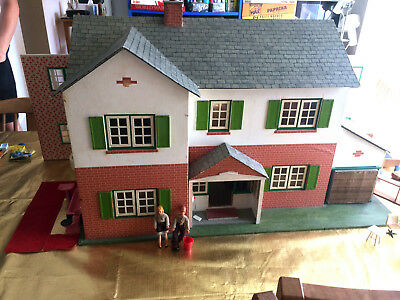 1960's Vintage Dolls House with Furniture fittings - This is a big house