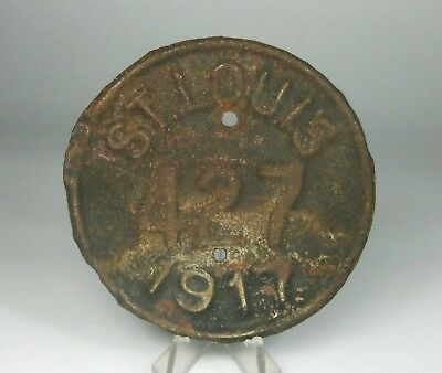 w Antique 1917 St Louis Pole Tag Motor Bike Auto Small Round License Plate?