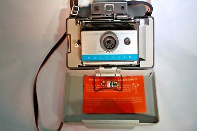 Polaroid 135 Land Camera Vintage - in Carrying Case
