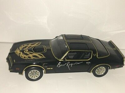 Burt Reynolds Signed Smokey And The Bandit 1977 Pontiac Diecast Car 1:18 Proof