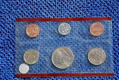 1995  USA MINT SET-SIX UNCIRCULATED COINS--in PLASTIC hOLDER--NO RESERVE