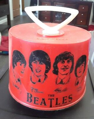 THE BEATLES  1966 RED DISK GO CASE 45'S RECORD HOLDER ********Look*******