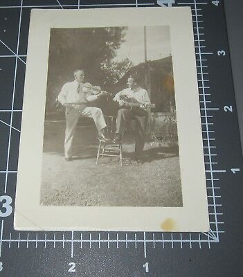 Men FIDDLE Guitar Musical INSTRUMENTS Country Music BLUEGRASS Man Vintage PHOTO