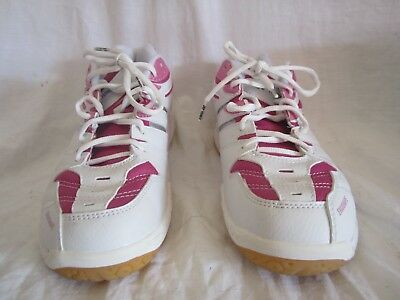 Yonex Badminton Shoes shb sc 3lx ladies 9.5  new in original box (CG)