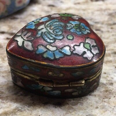 Antique Early Mid 20th Century Chinese Cloisonné Hinged pill box Red Heart Blue