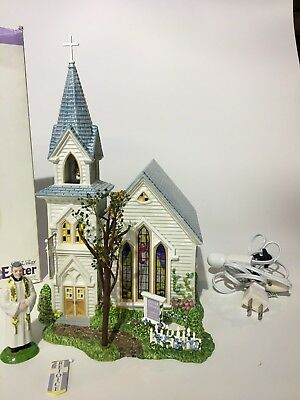 Department 56 Easter Village - Happy Easter Church w/ Dressed in our Easter Best