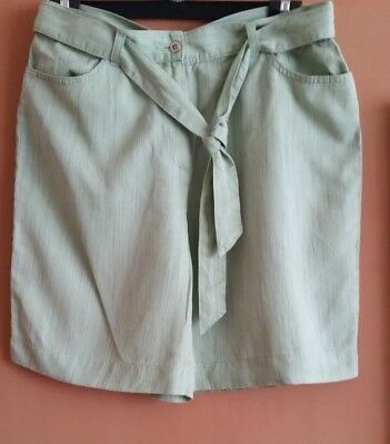 Cool and light pale green shorts/culottes, tie belt & 4 pockets, M&S, size 14 UK