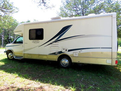 Maxlite B-Plus Motorhome, Model 251B