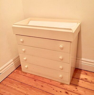 Chest of Drawers with Removable Baby Change Table for Nursery