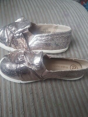 River Island Girls Metallic Gold Shoes/Pumps Size 9