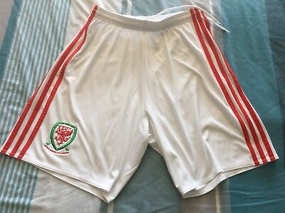 "Wales Home Football Shorts S 30-32"" Waist"