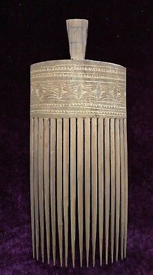Papua New Guinea Carved Bamboo Comb