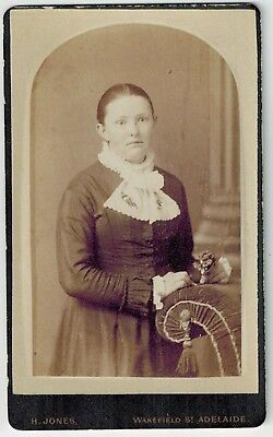 Carte de Visite - Portrait of a Woman, Adelaide - Henry Jones (Photographer)