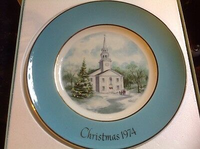 Avon Christmas Plate Country Church 1974 Enoc Wedgwood (Turnstall) Ltd England