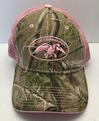 b374645274d675 Duck Commander Women's RealTree AP Camo and Pink Mesh Hat