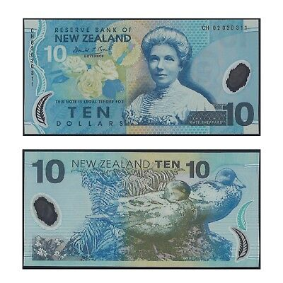 2002 New Zealand Ten Dollars $10 Polymer Banknote UNC Prefix CH02 #10