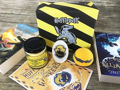 Hufflepuff House Gift Set - Harry Potter Gifts - Hogwarts Wizard - Bath Bombs