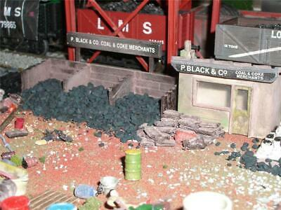 COAL DEPOT - Office,Staithes,Coal,Sacks,Signs (OO gauge)
