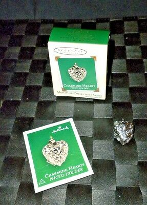 "2003 Hallmark Keepsake Miniature Ornament ""Charming Hearts"" Photo Holder"