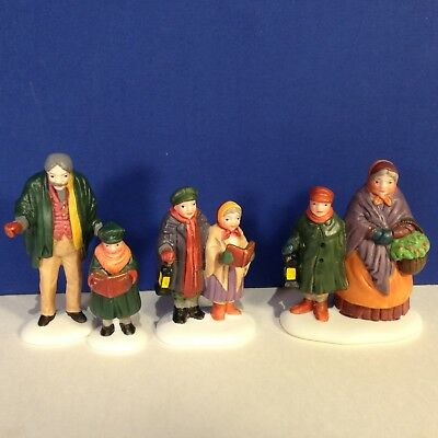 Dept 56 Dickens Village CAROLERS ON THE DOORSTEP w/ box Combine Ship