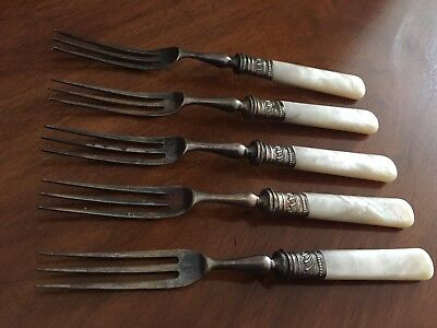 SUPERB VICTORIAN SILVER PLATED MOTHER OF PEARL PICKLE FORKS X5 Set