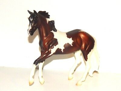 Breyer Classic #62116 HARPER - 2016 Horse of the Year - Bay Tobiano