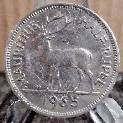 CIRCULATEd 1965 1/2 RUPEE MAURIITIUS COIN (31217)1