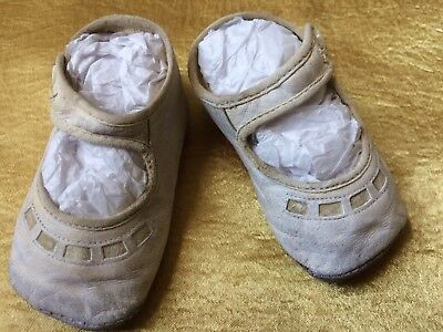 A12 Antique Vintage Baby Doll Leather Shoes Shabby Aged White Clothes