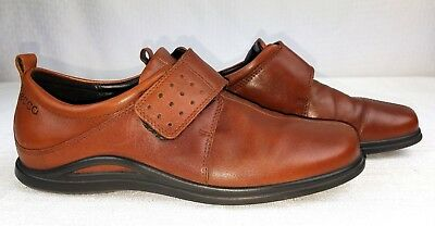 ECCO Woman's Size 8.5 Shoes w/ Hook & Felt Tie Brown Leather Uppers