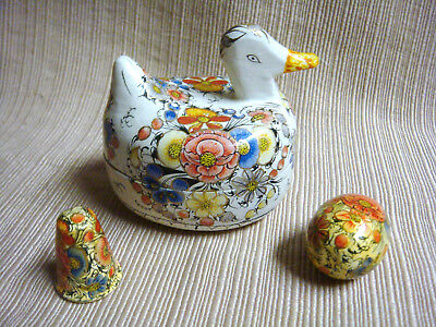 VINTAGE & ORNATE Handcrafted WOODEN DUCK w/ Thimble & Darning Egg SEWING NOVELTY