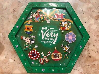 Disney Mickey's Very Merry Christmas Party 2017 Pin Box Set Limited Edition 1000