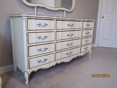 Vintage Henry Link Dixie French Provincial 5-Piece Bedroom Set - Very Nice!!