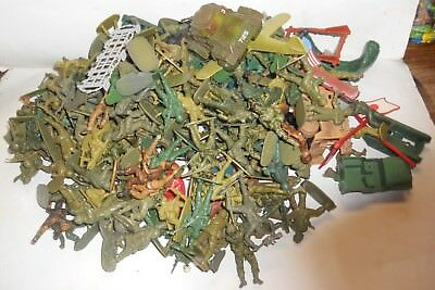 182 Toy Soldiers And Other Related Items