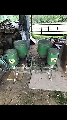 John Deere 2 Row Corn Planter with 10 sets of plates    Has Fertilizer Box's!!!