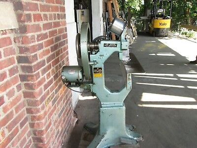 Acme Stitcher Model A   Nice Working Machine