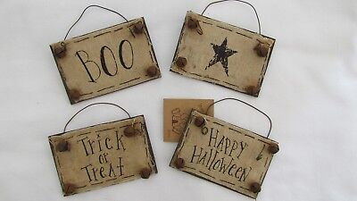 Primitive Style Wood Ornaments / Signs HALLOWEEN Theme Honey & Me 4pc NEW F887