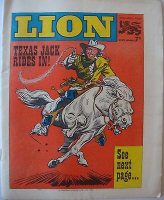 "VINTAGE ""LION"" COMIC WITH ""TEXAS JACK RIDES IN"" - 30th APRIL 1966"