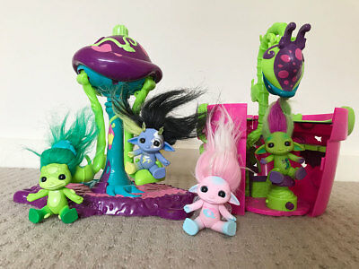 Zelfs bundle - toadstool swing and venus fly trap play set with 4 Zelfs