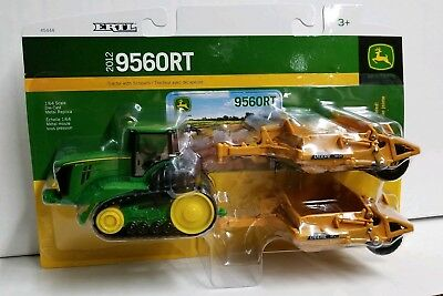 John Deere 1/64th 9560RT with 2 scrapers