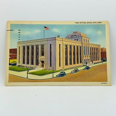 Postcard Vintage Iowa 1945 Post Office Sioux City Building Old Cars A-14