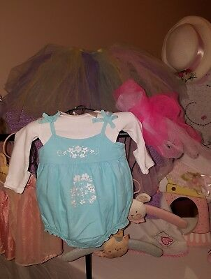 Old Navy baby girl Adorable jumpsuit size 3-6 months. Excellent Condition