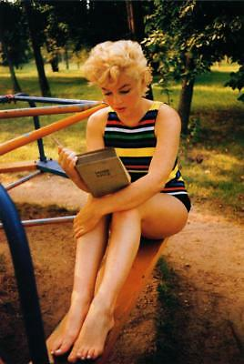 Marilyn Monroe 8x10 Picture Simply Stunning Photo Gorgeous Celebrity #133
