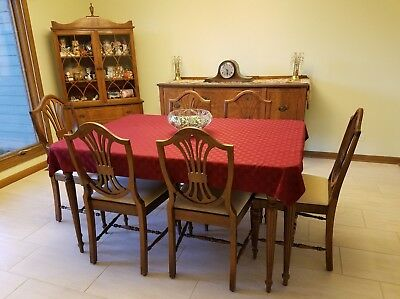 Vintage 1930's Wood Dining Room Table Set Beautiful Original Shape.