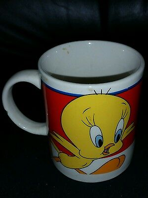 VTG Tweety bird coffee mug cup Looney Tunes Cartoon red background