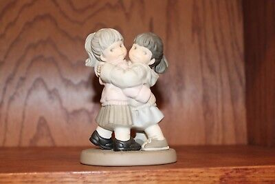 Kim Anderson Figurine 104363 ~ Your Hug is All the Gift I Need 2002 ~ VERY GOOD!