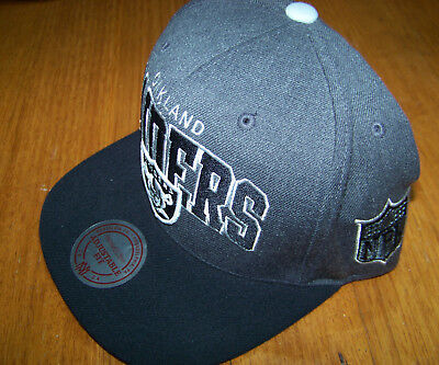 Official Mitchell & Ness Oakland Raiders Hat/Cap (light used) Adjustable