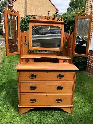 Edwardian Dressing Table with Mirrors in very good condition
