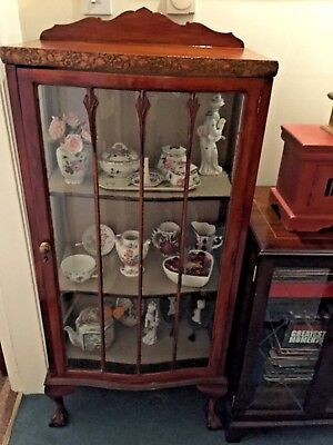 George v mahogany serpentine front free standing display cabinet